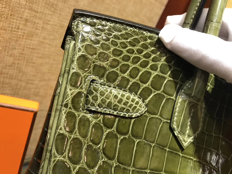Hermès(爱马仕)Birkin铂金包 丛林绿 一级皮 尼罗鳄鱼 进口原料 顶级手缝工艺 金扣 30cm