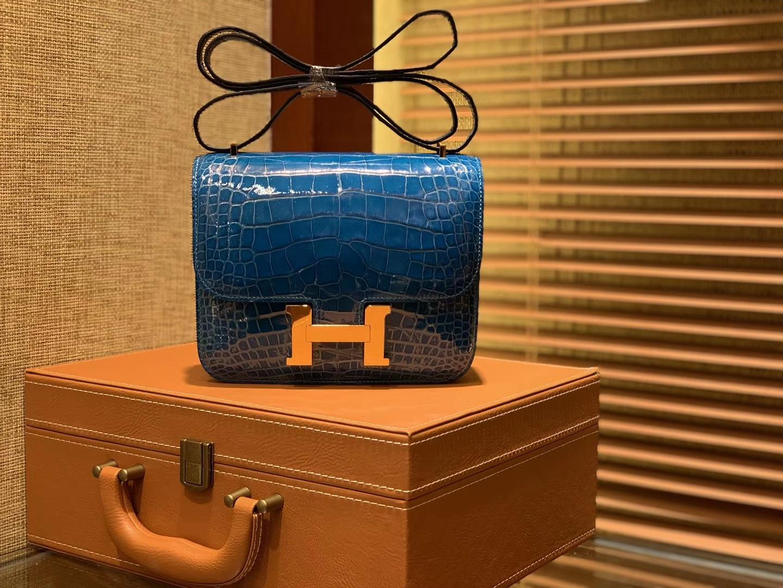 Hermès(爱马仕)Constance 18cm 伊滋密尔蓝 一级美洲鳄鱼皮 顶级手缝工艺 金扣