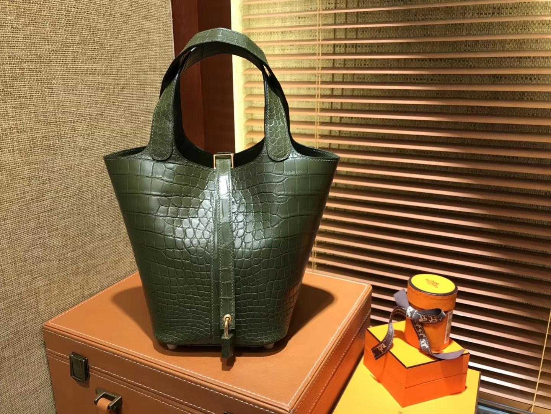 Hermès(爱马仕)Picotin 菜篮子 鳄鱼皮 橄榄绿 全手工缝制 18cm