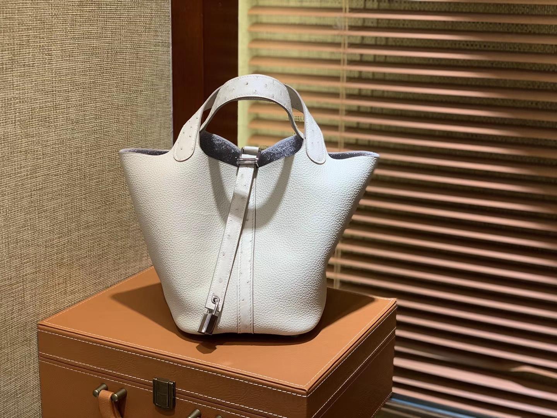 Hermès(爱马仕)Piction菜篮包 奶昔白 鸵鸟皮拼小牛皮 顶级手工缝制 银扣 18cm