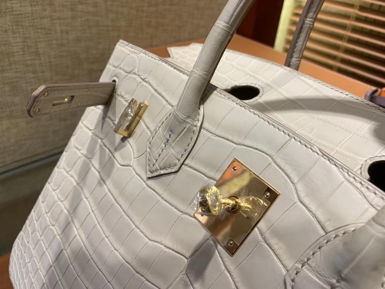 Hermès(爱马仕)Birkin铂金包 羊毛白 一级皮 雾面尼罗鳄鱼皮 进口原料 顶级手缝工艺 30cm