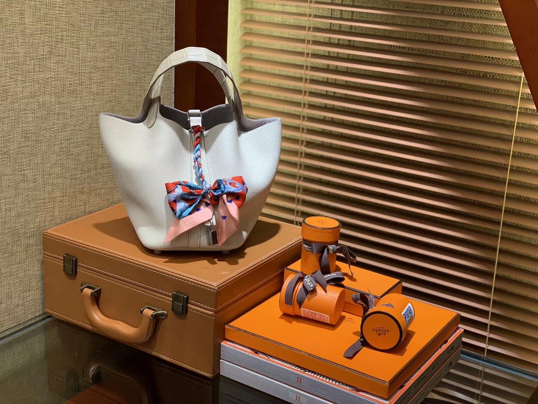 Hermès(爱马仕)Piction菜篮包 奶昔白 Togo牛皮 拼鳄鱼 进口原料 全手工缝制 银扣 22cm