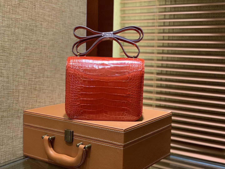 Hermès(爱马仕)Constance 18cm 法拉利红 一级美洲鳄鱼皮 顶级手缝工艺 金扣