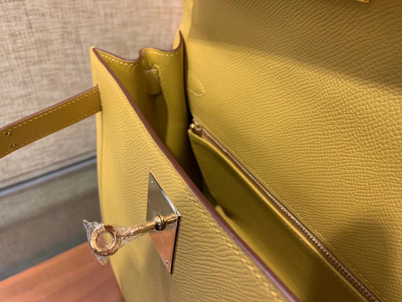 Hermès(爱马仕)Kelly凯莉包 掌纹小牛皮 琥珀黄 进口原料 原版蜜蜡线 顶级工艺 金扣 28cm