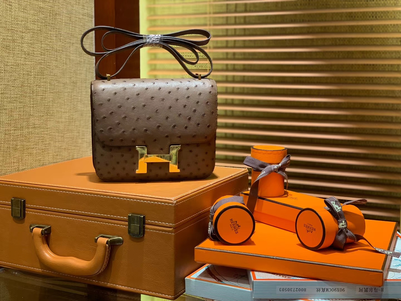 Hermès(爱马仕)Constance空姐包 巧克力 南非KK鸵鸟 顶级手缝工艺 金扣 18cm
