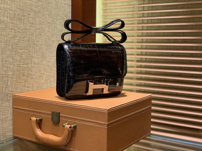Hermès(爱马仕)Constance空姐包 经典黑 一级 尼罗 鳄鱼皮 臻品级别 银扣 18cm