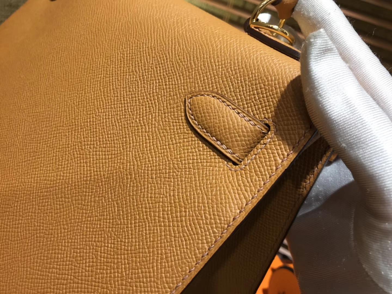 Hermès(爱马仕)Kelly凯莉包 掌纹小牛皮 太妃金 进口原料 原版蜜蜡线 顶级工艺 金扣 25cm