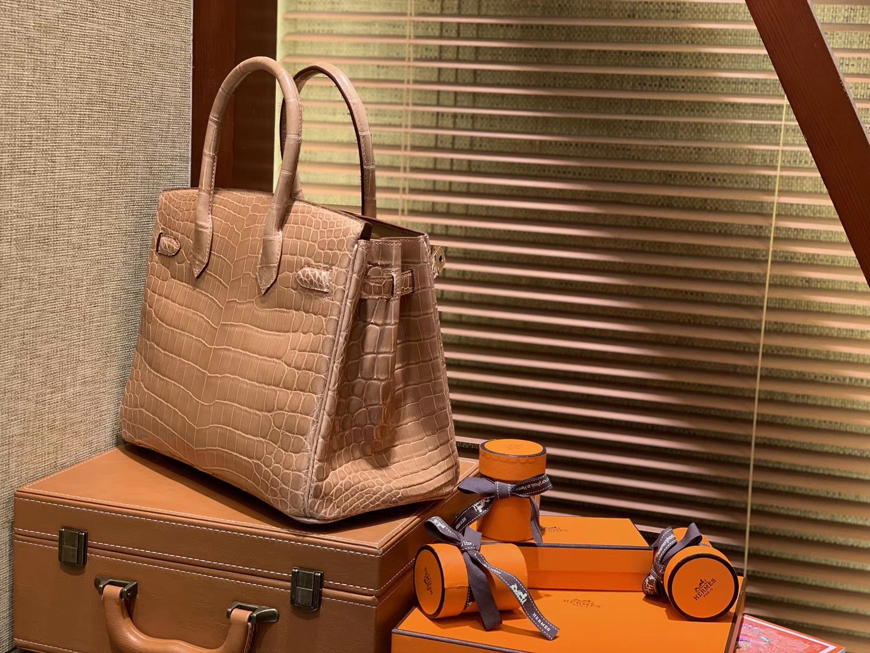Hermès(爱马仕)Birkin铂金包 奶茶色 一级皮 尼罗鳄鱼 进口原料 顶级手缝工艺 30cm