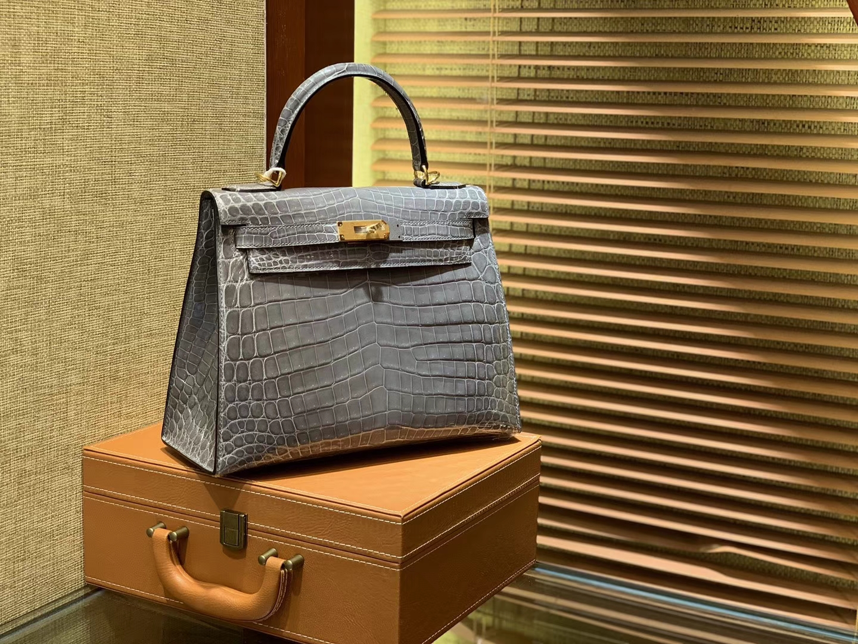 Hermès(爱马仕)Kelly 28cm 斑鸠灰 一级尼罗鳄鱼皮 顶级手缝工艺 金扣