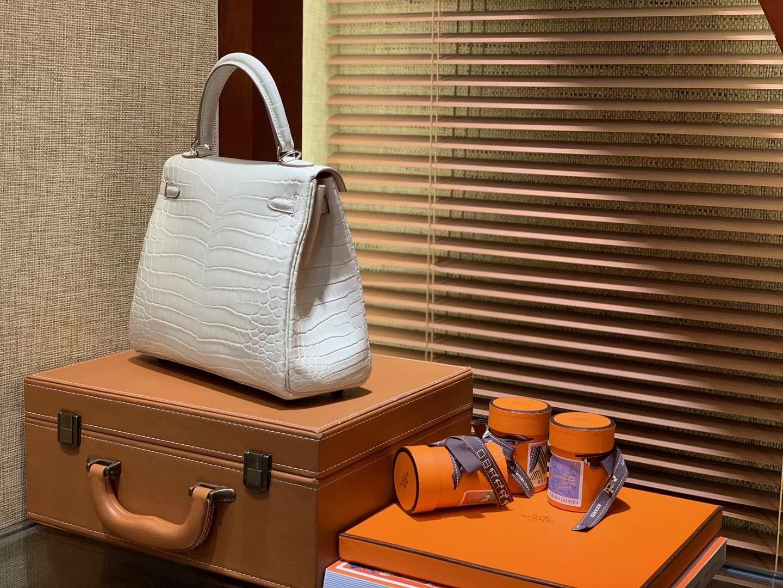 Hermès(爱马仕)Kelly 凯莉包 羊毛白 尼罗雾面 一级鳄鱼皮 顶级全手工缝制 银扣 25cm
