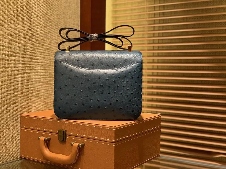 Hermès(爱马仕)Constance空姐包 靛蓝色 南非进口鸵鸟皮 顶级全手工缝制 23cm