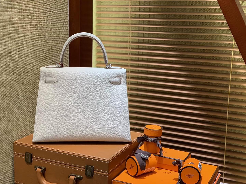Hermès(爱马仕)Kelly凯莉包 掌纹小牛皮 奶昔白 进口原料 原版蜜蜡线 顶级工艺 银扣 28cm