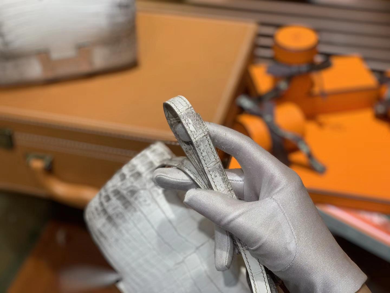Hermès(爱马仕)Constance空姐包 喜马拉雅 一级尼罗雾面 鳄鱼皮 顶级全手工缝制 银扣 18cm