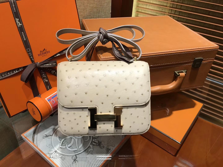 Hermès(爱马仕)Constance 18cm 羊毛白 南非进口鸵鸟 KK级别 顶级全手工 金扣