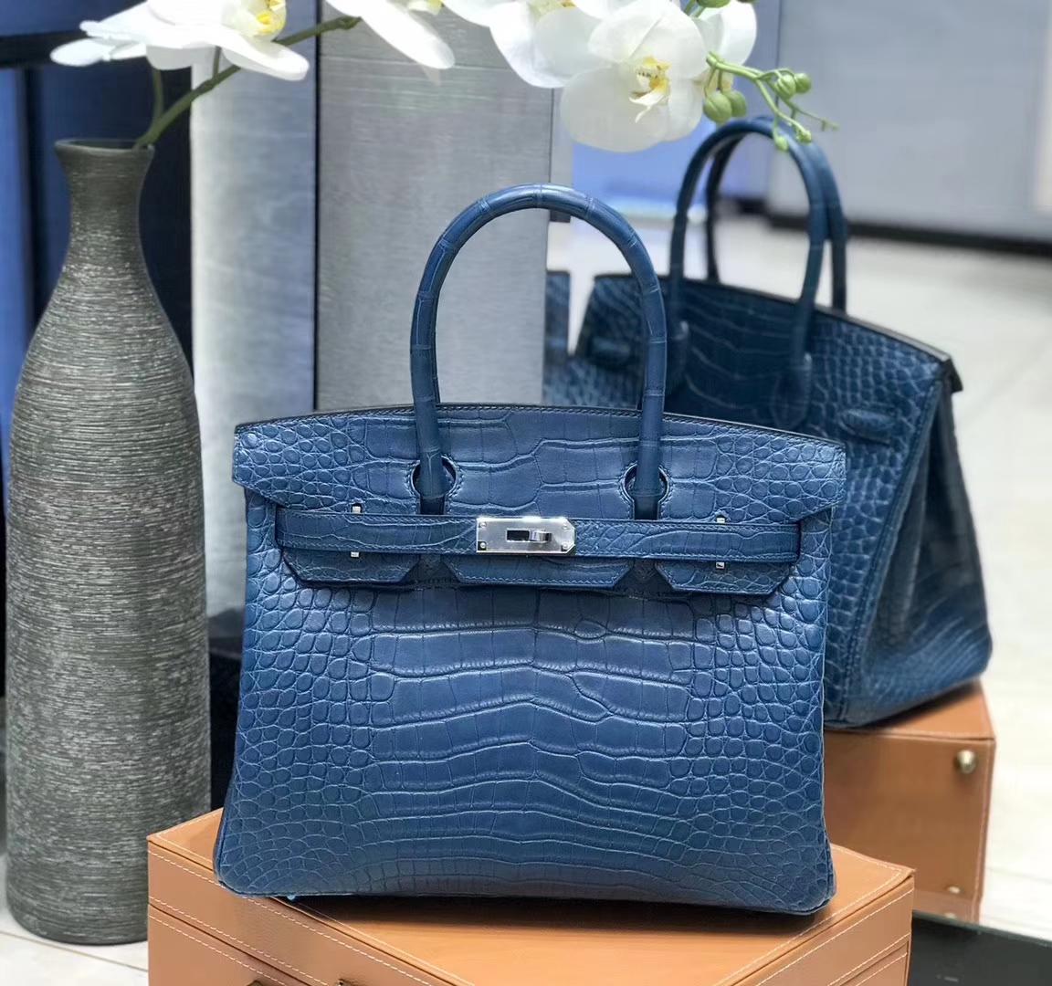 Hermès(爱马仕) Birkin铂金包 靛蓝色 雾面美洲鳄鱼皮 银扣 30cm