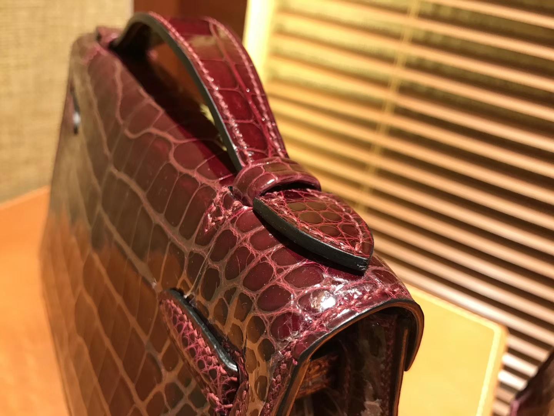 Hermès(爱马仕)MiniKelly 迷你凯莉 波尔多酒红 进口鳄鱼皮 顶级手缝工艺 金扣 22cm