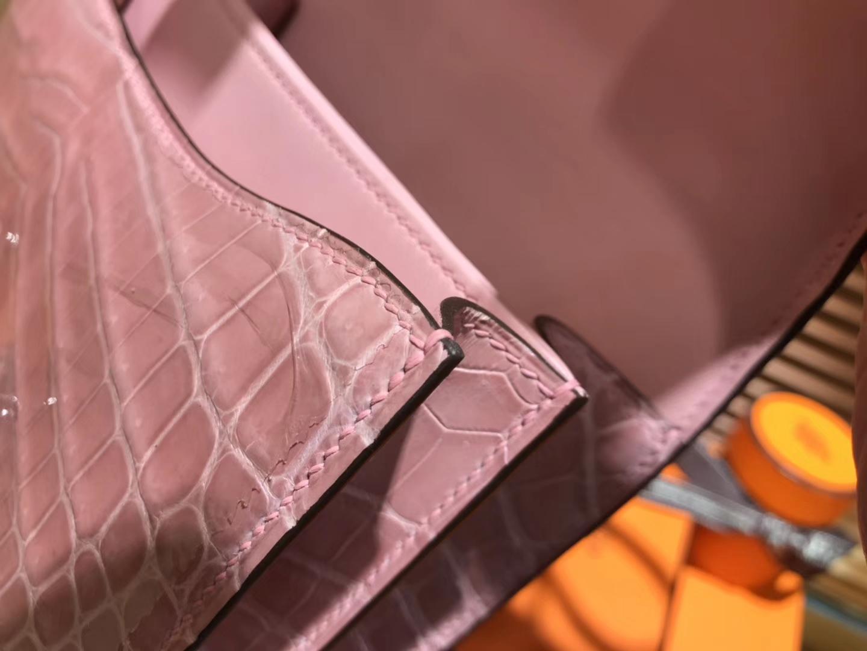 Hermès(爱马仕)Constance空姐包 陶瓷粉 一级 尼罗 鳄鱼皮 臻品级别 银扣 18cm