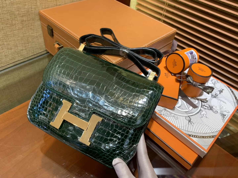 Hermès(爱马仕)Constance空姐包 祖母绿 一级 湾鳄鱼皮 臻品级别 金扣 23cm