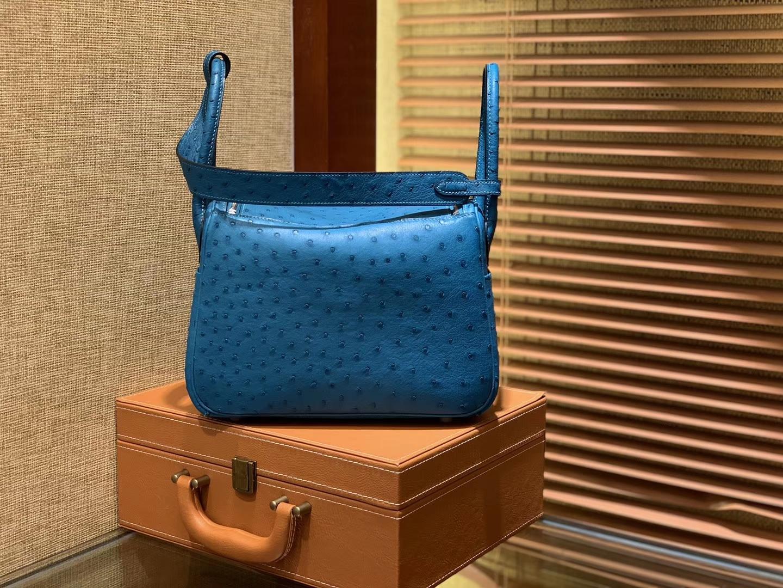 Hermès(爱马仕)Lindy 26cm 湖水蓝 南非进口鸵鸟皮 顶级工艺