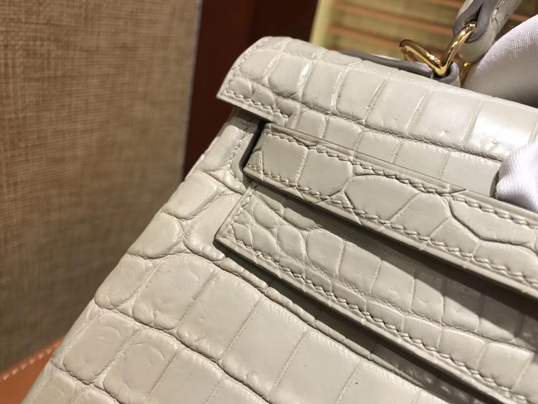 Hermès(爱马仕)Kelly 凯莉包 羊毛白 尼罗雾面 一级鳄鱼皮 顶级全手工缝制 金扣 25cm