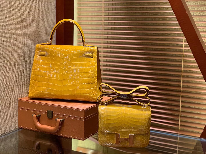 Hermès(爱马仕)Kelly 凯莉包 琥珀黄 级尼罗鳄鱼皮 顶级全手工缝制 金扣 28cm