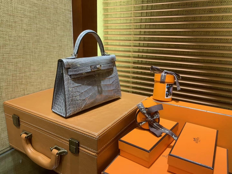 Hermès(爱马仕)MiniKelly 迷你凯莉 巴黎灰 一级美洲鳄鱼皮 顶级手缝蜡线 银扣 19cm 2代