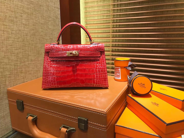 Hermès(爱马仕)MiniKelly 迷你凯莉 法拉利红 一级美洲鳄鱼皮 顶级手缝蜡线 金扣 19cm 2代