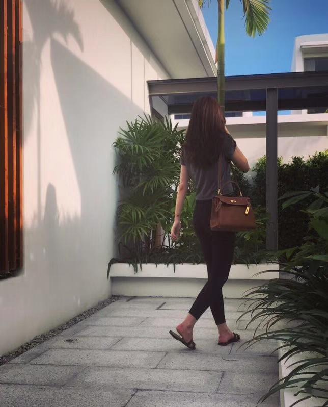 Hermès(爱马仕)Kelly凯莉包 togo小牛皮 枚紫色 进口原料 原版蜜蜡线 银扣 28cm