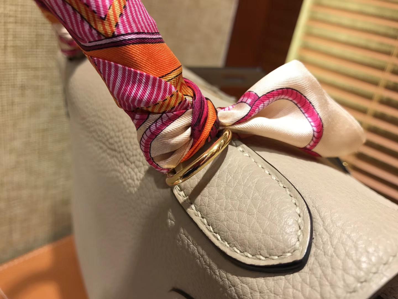 Hermès(爱马仕)Kelly凯莉包 togo小牛皮 斑鸠灰 进口原料 原版蜜蜡线 金扣 28cm