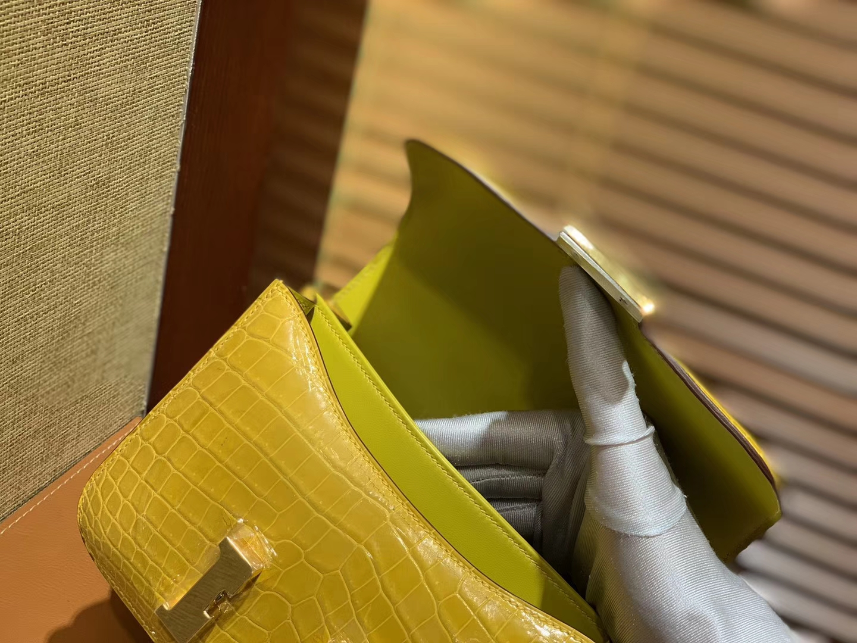 Hermès(爱马仕)Constance空姐包 琥珀黄 一级 尼罗 鳄鱼皮 臻品级别 金扣 18cm