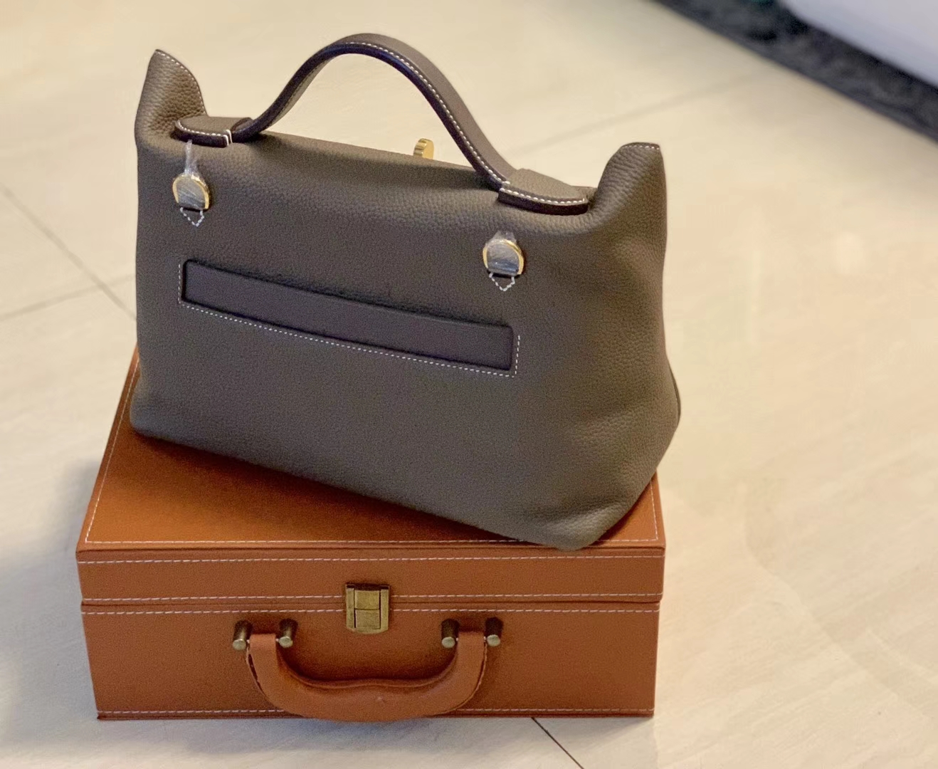 Hermès(爱马仕)Kelly-2424 锡器灰 原厂御用顶级小牛皮拼Swift皮 togo 金扣 29cm