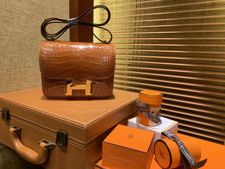 Hermès(爱马仕)Constance空姐包 板栗粽 一级 美洲 鳄鱼皮 臻品级别 金扣 18cm