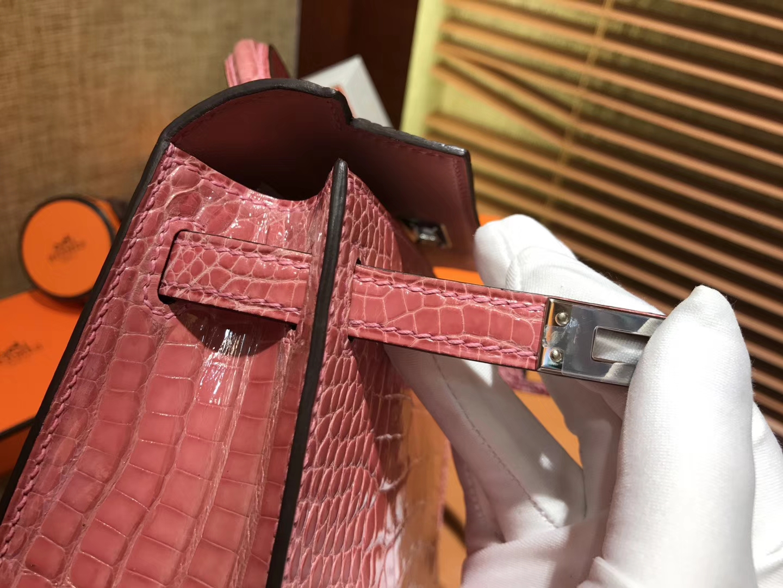 Hermès(爱马仕)MiniKelly 迷你凯莉 陶瓷粉 一级美洲鳄鱼皮 顶级手缝蜡线 银扣 19cm 2代
