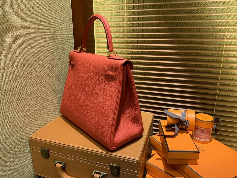 Hermès(爱马仕)Kelly凯莉包 togo小牛皮 中国红 进口原料 原版蜜蜡线 金扣 28cm