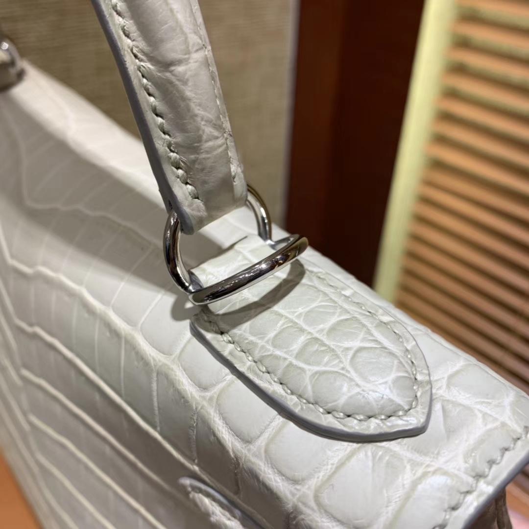 Hermès(爱马仕)Kelly 凯莉包 羊毛白 尼罗雾面 一级鳄鱼皮 顶级全手工缝制 银扣 28cm