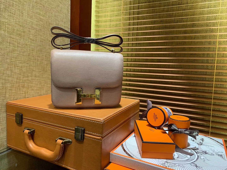 Hermès(爱马仕)Constance空姐包 裸色 蜥蜴皮 顶级全手工缝制 金扣 18cm