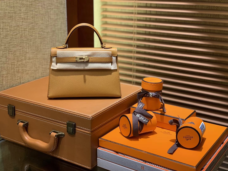 Hermès(爱马仕)MiniKelly 迷你凯莉 太妃金 德国掌纹牛皮 原版蜜蜡 全手工缝制 2代 19cm