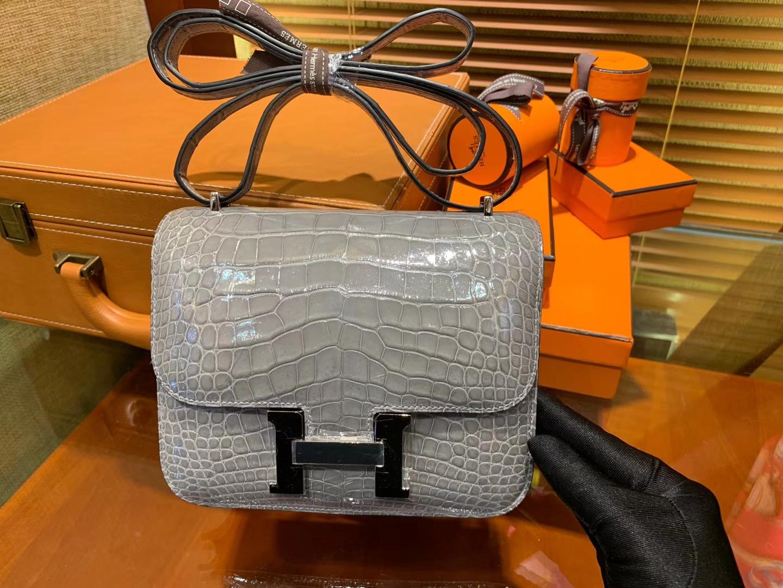 Hermès(爱马仕)Constance空姐包 巴黎灰 一级 美洲 鳄鱼皮 臻品级别 银扣 18cm