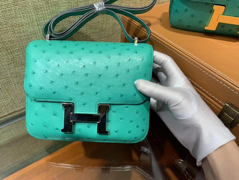 Hermès(爱马仕)Constance空姐包 湖水绿 南非KK鸵鸟 顶级手缝工艺 金扣 银扣 18cm