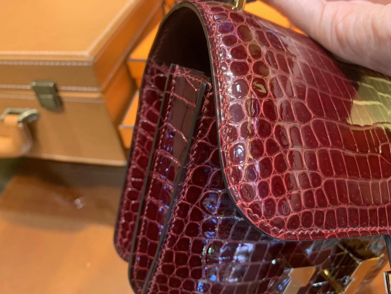Hermès(爱马仕)Constance空姐包 波尔多酒红 一级 湾鳄 鳄鱼皮 极品珍稀款 金扣 18cm
