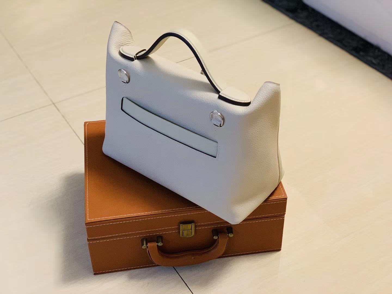 Hermès(爱马仕)Kelly-2424 奶昔白 原厂御用顶级小牛皮拼Swift皮 togo 金扣 29cm