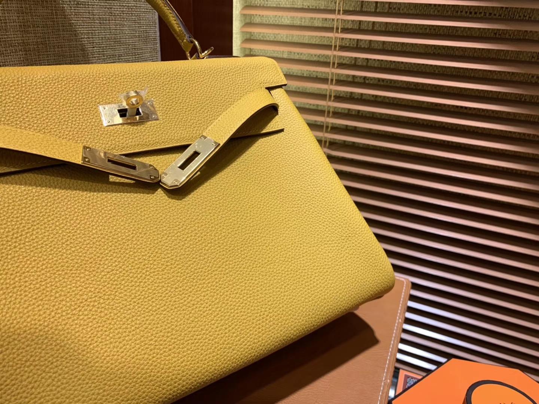 Hermès(爱马仕)Kelly凯莉包 togo小牛皮 琥珀黄 进口原料 原版蜜蜡线 金扣 28cm