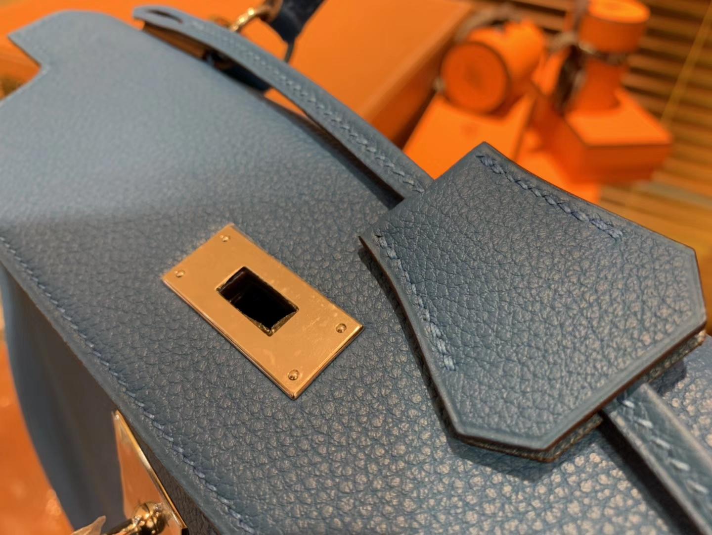 Hermès(爱马仕)Kelly凯莉包 togo小牛皮 坦桑尼亚蓝 金扣 28cm