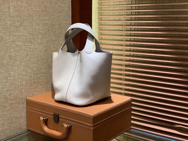 Hermès(爱马仕)Piction菜篮包 奶昔白 Togo牛皮 最火白色系 金扣 18cm
