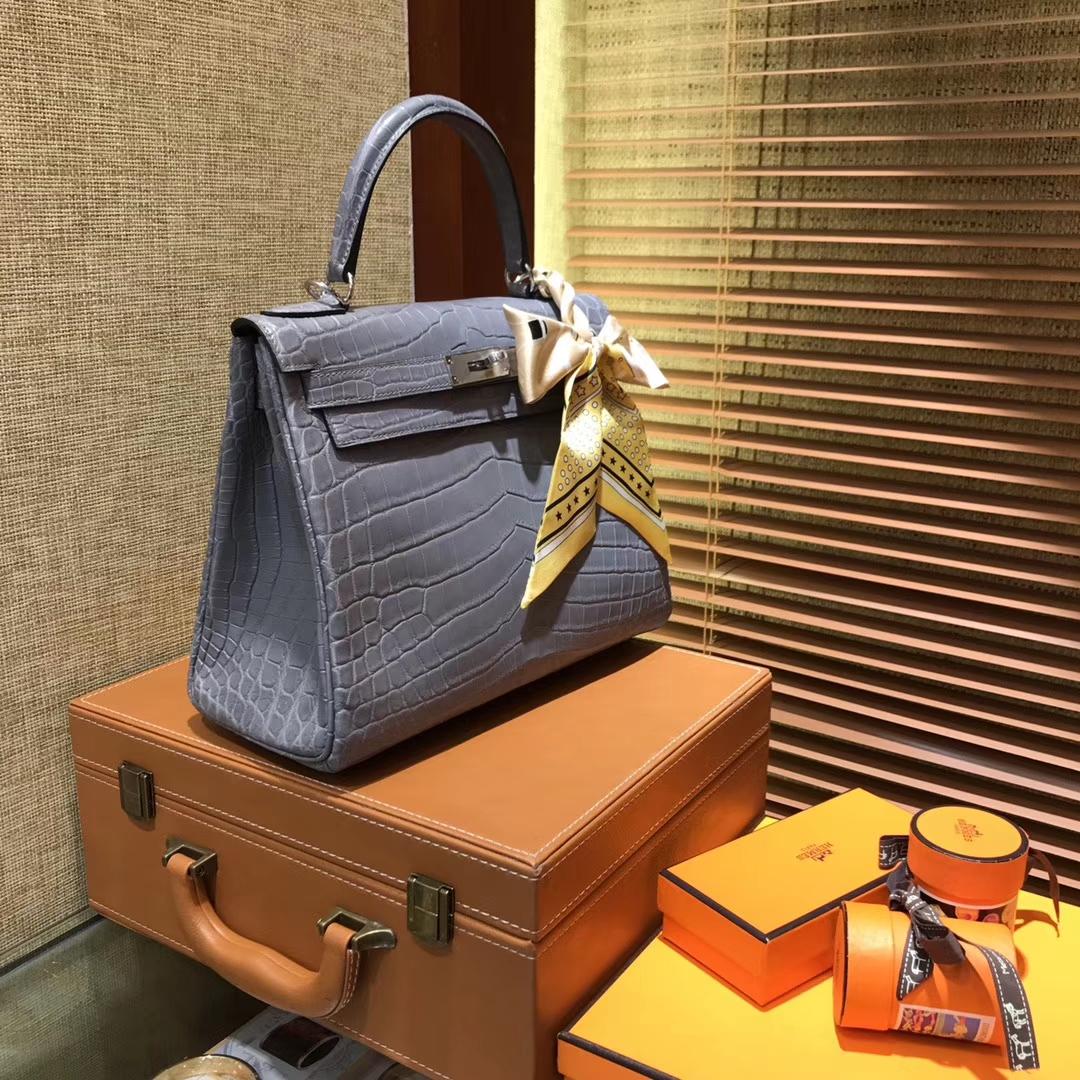 Hermès(爱马仕)Kelly 凯莉包 巴黎灰 尼罗雾面 一级鳄鱼皮 顶级全手工缝制 银扣 28cm