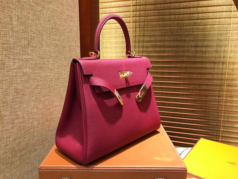 Hermès(爱马仕)Kelly凯莉包 togo小牛皮 石榴红 进口原料 原版蜜蜡线 金扣 28cm