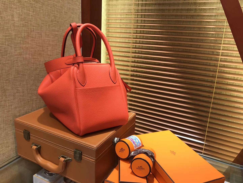 Hermès(爱马仕)Lindy琳迪包 火焰橙 德国进口togo牛皮 全手工缝制 银扣 30cm