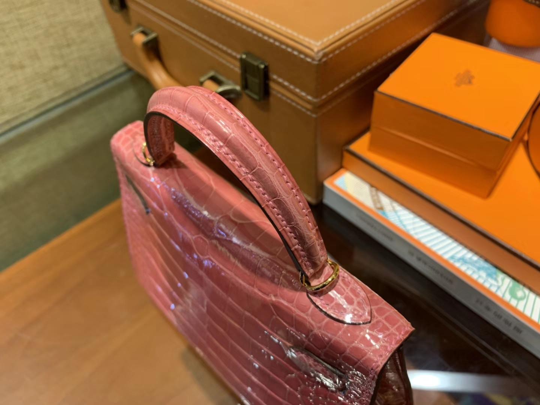 Hermès(爱马仕)Mini Kelly 粉色 一级美洲鳄鱼皮 顶级全手工缝制 臻品级别 19cm 2代