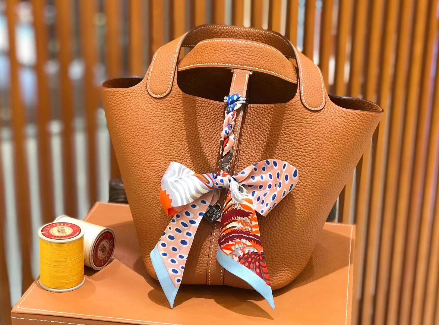 Hermès(爱马仕)新增现货 Picotin 菜篮子 太妃金 全手工蜡线缝制 银扣 18cm