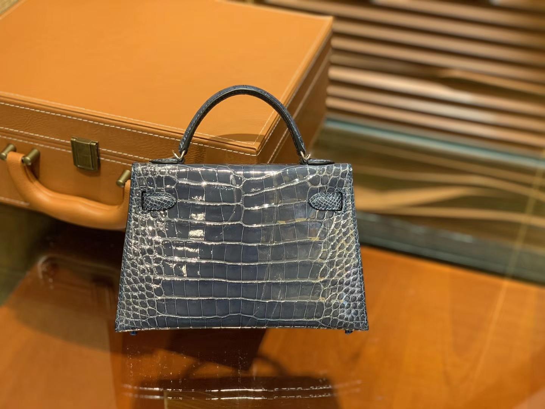Hermès(爱马仕)Mini Kelly 迷你凯莉 藏蓝色 一级美洲鳄鱼皮 全手工缝制 臻品级别 银扣 19cm 2代